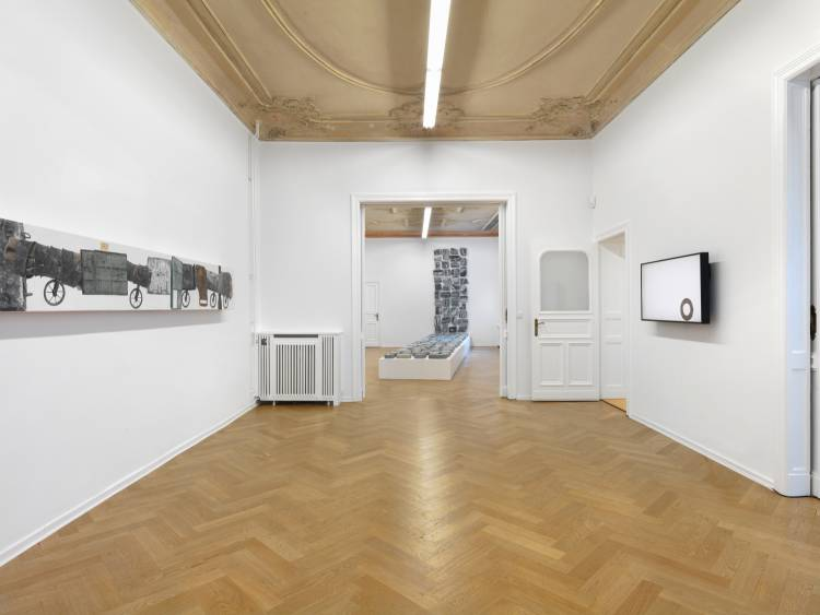 Jose Santos III, Distance between two points, Arndt Art Agency, Berlin, Installation view 5